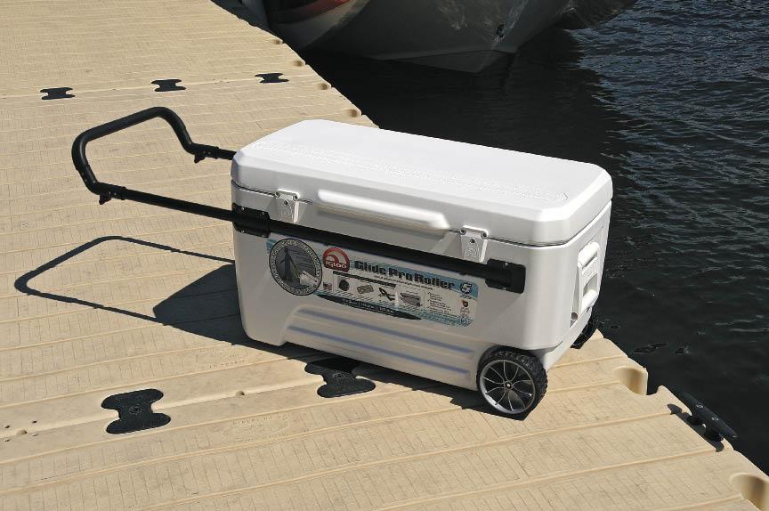 Igloo marine pro glide 110qtz cooler bags hard coolers for Motor cooler on wheels